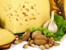Сыр, орехи и бананы способны вызывать головную боль