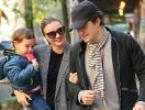 Керр и Блум вместе появились на прогулке после заявления о разводе