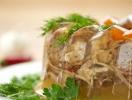 Рецепты блюд на новогодний стол 2014: холодец и заливное
