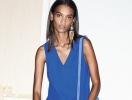 В чем встречать новый год: 25 платьев синего цвета