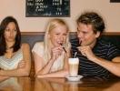 Как не ревновать мужчину к другим женщинам