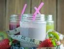Пей и не толстей: рецепты вкусных летних смузи, которые заменят десерт