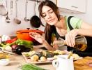 Ученые доказали: готовить дома опасно для здоровья женщин