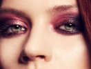Как сделать цветные smoky eyes: пошаговый урок винного макияжа глаз