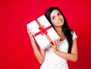 Подарки на 8 Марта коллегам: от скромных до оригинальных