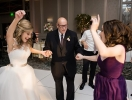 Цветочный сюрприз: история о том, как внучка попросила 85-летнего дедушку исполнить особенную роль на ее свадьбе