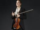 Бабушка панка Вивьен Вествуд создала костюмы для Венского филармонического оркестра