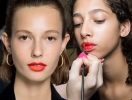 Модный макияж весна-лето 2017: техника деграде и омбре (макияж губ и глаз, маникюр)