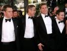 Брэд Питт пытается наладить отношения со старыми друзьями, которые не нравились Анджелине Джоли