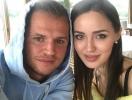 Семейная идиллия: Дмитрий Тарасов привел Анастасию Костенко в гости к маме