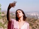 Селена Гомес ответила хейтерам, критиковавшим ее неидеальную фигуру