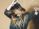 Как избавиться от перхоти: эффективные шампуни и другие средства