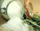 Соленая еда – враг здоровью!
