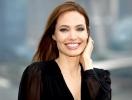 """""""Разрешала подросткам буквально все"""": как Анджелина Джоли воспитывает детей?"""