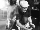 Умер фотограф Питер Линдберг, работавший с Меган Маркл, Брэдом Питтом и Карлом Лагерфельдом