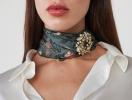 Платок и осень 2019: как модно повязать аксессуар (+ самые стильные варианты)
