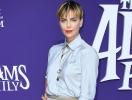 """Играет контрастами: Шарлиз Терон на премьере нового мультфильма """"Семейка Аддамс"""" в Лос-Анджелесе"""