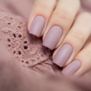 Идеи матового дизайна ногтей: варианты маникюра на каждый день