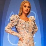 Роскошные образы Шэрон Стоун и Бейонсе на церемонии CMA Awards-2016