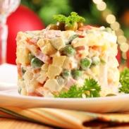 Как быстро приготовить оливье на Новый год 2019: лучший рецепт праздничного салата