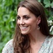 Кейт Миддлтон на мастер-классе по фотографии в Лондоне: новый образ герцогини (ГОЛОСОВАНИЕ)