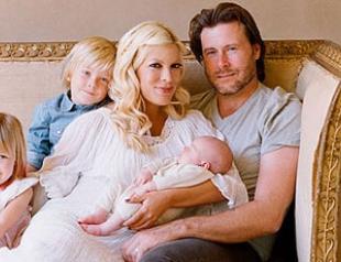 Тори Спеллинг показала новорожденную дочь