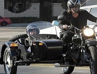 Брэд Питт обзавелся русским мотоциклом
