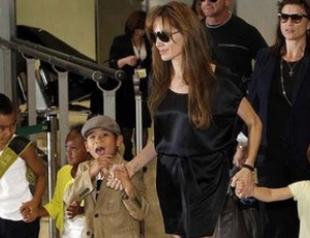 Анджелина Джоли и Бред Питт снова ждут двойню
