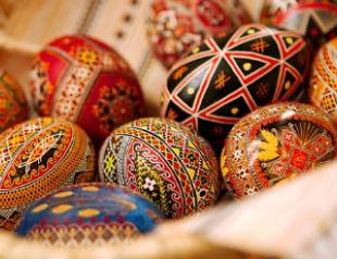 Традиции Пасхи. Роспись яиц: писанки и крашенки