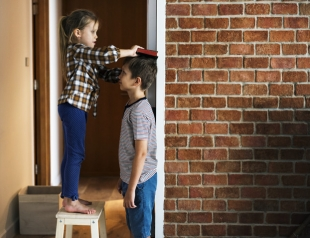 Гормоны для детей: соглашаться или нет?