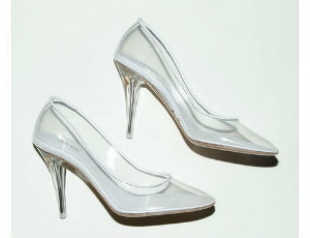 Микротренд: обувь из прозрачного пластика