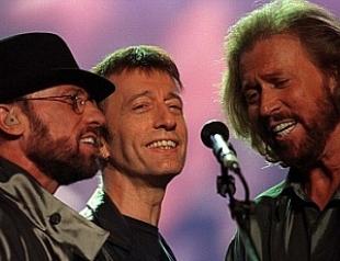 Лидер Bee Gees вернулся с того света