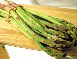 Сезонные овощи: готовим спаржу