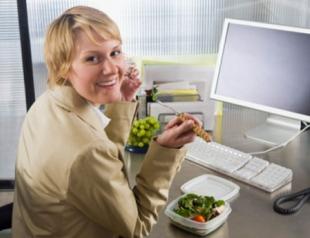 Обед на рабочем месте вызывает тромбоз