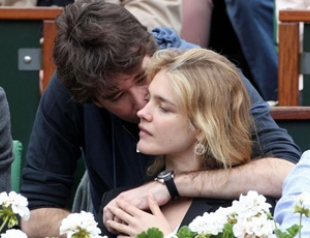 Наталья Водянова целовалась с женихом на корте. Фото