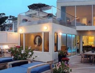 Джим Керри продает свой особняк в Малибу. Фото