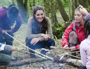 Кейт Миддлтон провела выходные в детском лагере