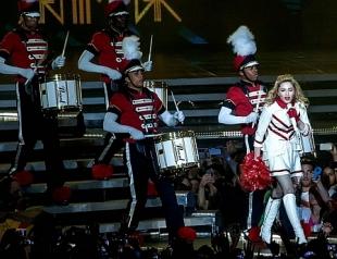 Мадонна в Киеве: религиозно-политическое шоу с элементами стриптиза