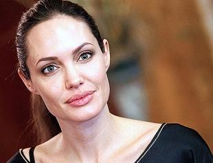 Анджелину Джоли заподозрили в шпионаже