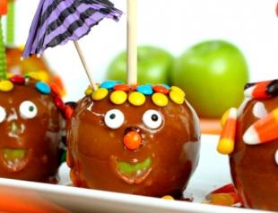 Праздничный десерт: яблоки в карамели