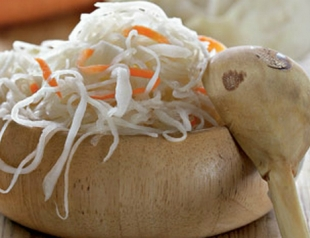 Рецепт омолаживающей маски из квашеной капусты