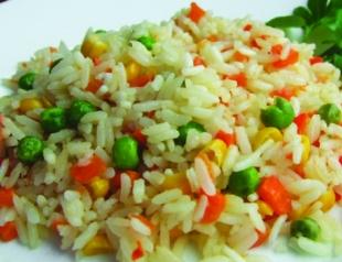 Постный салат из риса