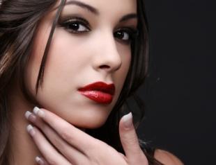 Мужской взгляд на женский макияж и маникюр