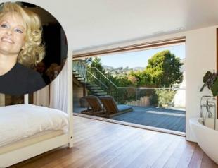 Памела Андерсон показала свой особняк. Фото
