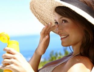 Как защитить кожу от палящего солнца?