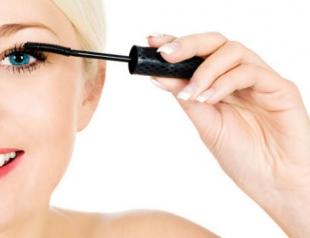 Водостойкая тушь в летнем макияже: плюсы и минусы