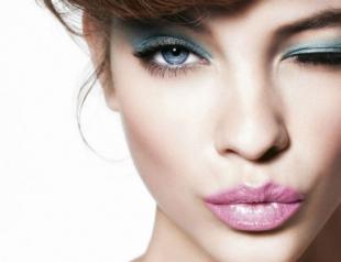 Естественный макияж для голубых глаз