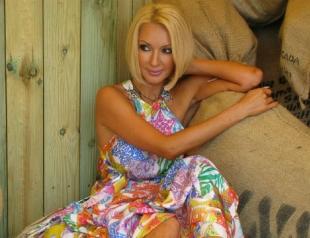 СМИ: Лера Кудрявцева ждет малыша от молодого мужа