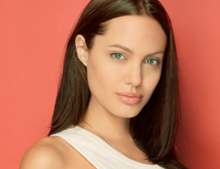 Анджелина Джоли стала самой влиятельной звездой
