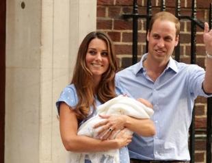 Принц Уильям и Кейт Миддлтон впервые показали сына